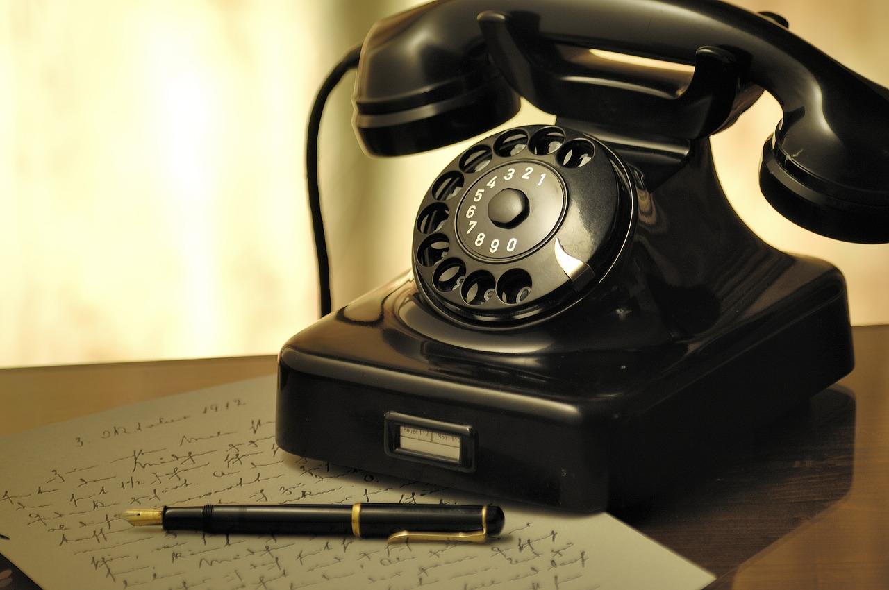 英語 モーニングコール,英語 morning call,モーニングコール 和製英語,